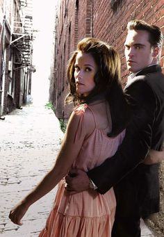 walk the line-joaquin is absolutely amazing (so is reese but that's not so surprising)