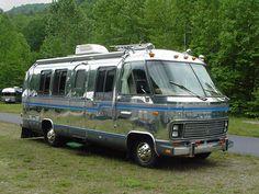 1979 Airstream Motorhome 24 Exhibit A Motorhome Vintage, Trailers Vintage, Airstream Motorhome, Vintage Rv, Vintage Airstream, Bus Camper, Camper Trailers, Travel Trailers, Small Motorhomes