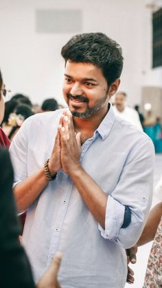Famous Indian Actors, Indian Celebrities, Actor Picture, Actor Photo, Mother Baby Photography, Girl Photography, Ilayathalapathy Vijay, Ms Dhoni Wallpapers, Vijay Actor