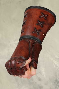 Leather Gauntlet - Right Hand - Brown