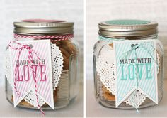 small jars with little cookies in for parting gifts. Im not getting married, i just have all these ideas I want to remember haha