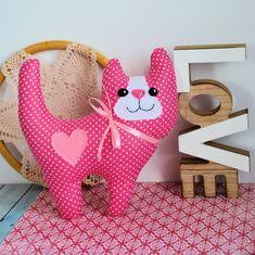 Uśmiechnięty kotek - Różyczka - 20 cm Dinosaur Stuffed Animal, Babe, Toys, Pink, Animals, Rose, Animaux, Hot Pink, Animales