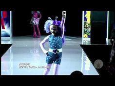 Childs Deluxe Ari Roma Costume, strutting down the runway! #costume #dressup #cosplay #aliencostume #novistars #star  #halloween #makeup #alienmakeup #ariroma