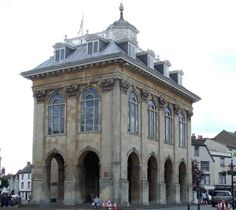 Abingdon Town Hall when we were children they used to throw buns off the top ...like hot cross buns ...no idea why!! but we loved it :)