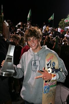Ryan Sheckler is like my idol! Ryan Sheckler, Boys Round Here, Ryan Allen, Hot Skater Boys, My Idol, Hot Guys, Celebs, Sexy, Skateboarding