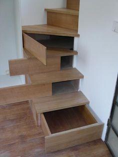 Différents aménagements dans les marches d'un escalier