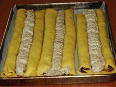 Prajitura Ochelari - Prajituri cu umplutura Romanian Desserts, Romanian Food, Sweets Recipes, Cake Recipes, Torte Cake, Pastry Cake, Dessert Drinks, Food Cakes, Sweet Cakes