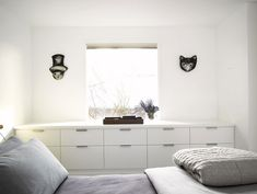 What Would Be a Less Expensive Way to Recreate These Built-In Bedroom Drawers? Good Questions | Apartment Therapy