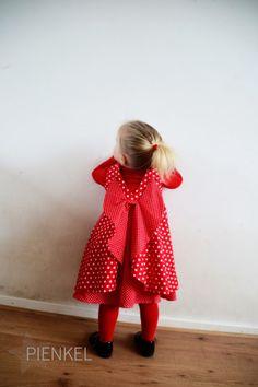 Red Secret Garden Dress, sewn by Pienkel Girls Secrets, Garden Dress, Kids Frocks, Girl Birthday, Summer Dresses, Sewing, Toddlers, Pattern, Red