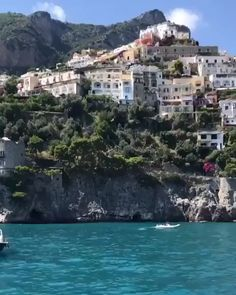 Positano 😍 Top 10 Places To Visit. Italy Vacation, Vacation Spots, Italy Travel, Beautiful Places To Travel, Cool Places To Visit, Dream Vacations, Romantic Vacations, Romantic Travel, Amazing Destinations