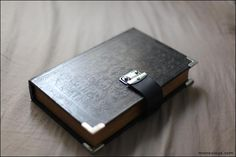 Finally a book clutch DIY that doesn't require destroying an actual book!