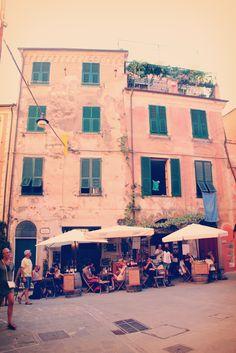 지중해를 품은 친퀘테레 Landscape Pictures, Brunch, Aesthetic Pastel, Pastel Pink, Travel, Scenery Paintings, Viajes, Landscape Photos, Destinations