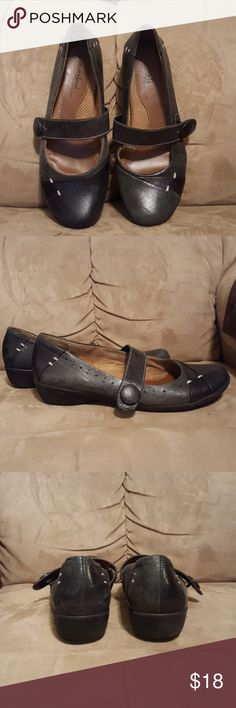 Natural Soul Flats These have been warned several times great heavy Rubber Soul top of the shoe is on the other then good used condition lots of life naturalizers Shoes Flats & Loafers