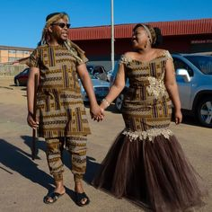 Wedding Dresses South Africa, African Wedding Attire, African Attire, African Wear, African Weddings, Zulu Traditional Attire, Traditional African Clothing, Traditional Wedding Attire, African Lace Dresses