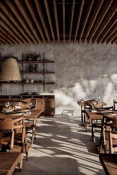 Vacances wabi sabi à l'hôtel Casa Cook Kos Restaurant Design, Wood Restaurant, Cafe Interior Design, Cafe Design, Interior Architecture, House Design, Wabi Sabi, Casa Cook Hotel, Kos Hotel