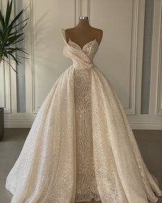Fancy Wedding Dresses, Princess Wedding Dresses, Bridal Dresses, Crochet Wedding Dresses, Couture Wedding Gowns, Stunning Dresses, Elegant Dresses, Pretty Dresses, Stunning Wedding Dresses