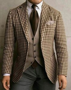 - with a brown layering combo feating a brown houndstooth blazer light brown waistcoat brown cotton tie club collar white shirt gray trousers Mens Fashion Suits, Mens Suits, Groom Suits, Groom Attire, Herren Outfit, Moda Casual, Elegant Man, Well Dressed Men, Gentleman Style