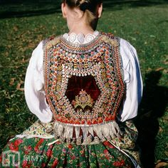 Embroidered bodice of Kraków costume from the village of Bronowice, southern Poland. Photography by Stanisław Gadomski, from the digitalized collection of Muzeum Miejskie w Tychach. Traditional Fashion, Traditional Dresses, Folk Costume, Costumes, Polish Clothing, Polish Folk Art, Krakow, Ethnic Fashion, Bodice