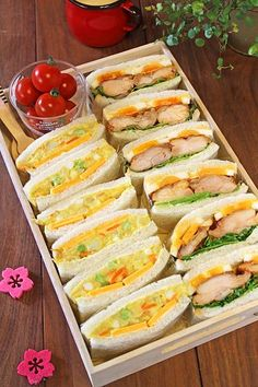 Tasteful Healthy Lunch Ideas with High Nutrition for Beloved Family Bento Recipes, Cooking Recipes, Onigirazu, Cafe Food, Recipes From Heaven, Aesthetic Food, Japanese Food, Japanese Sandwich, Japanese Lunch Box