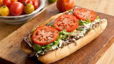 Sous-marin au steak et fromage style Subway Sandwich Sauces, Steak Sandwich Recipes, Panini Sandwiches, Wrap Sandwiches, Steak And Cheese Sub, Steak Wraps, Beef Recipes, Cooking Recipes, Pizza