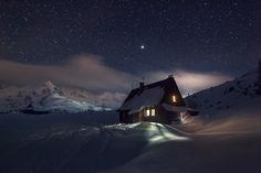 starry night and Betlejemka Hut
