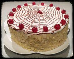 """Mal wieder eine """"kleine"""" Esterhazy Torte gebacken 🥰 Doppelte Masse 😅 Habe 10 Böden gebacken 😅 Stolze 8 cm hoch 😳 Esterhazy Torte, Donuts, Muffins, Sweets, Desserts, Food, Cookies, Pies, Food Cakes"""