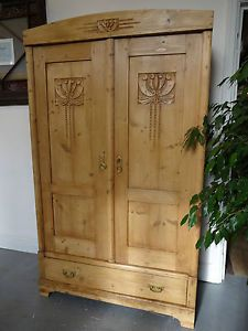 Lovely-Large-Two-Door-Wood-Wooden-Carvd-Wardrobe-Storage-Hand-Waxed