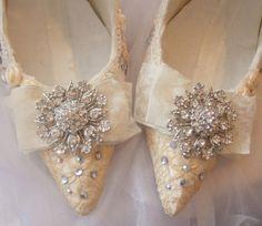 Isn't it lovely? | ZsaZsa Bellagio - Like No Other Bridal Shoes, Wedding Shoes, Wedding Day, Wedding Dreams, Wedding Attire, Dream Wedding, Gold Bridesmaid Dresses, Wedding Bridesmaids, Crystal Shoes