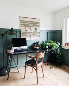 Green Home Offices, Home Office Colors, Home Office Design, Home Office Decor, Interior Office, Fashion Office, Black White Bathrooms, Green Office, Plant Shelves