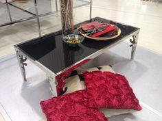 Tavolino basso in metallo e vetro design barocco