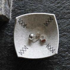 Schale aus Filz in hellgrau mit Handnaht zur Deko und von werktat