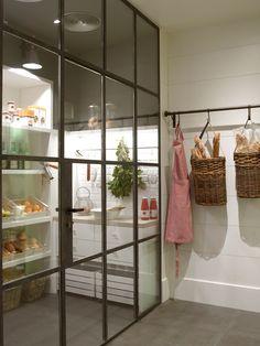 Cocina con despensa climatizada, de Deulonder: despensa climatizada