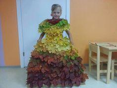 podzimní šaty - listí nalepeno na kartonu