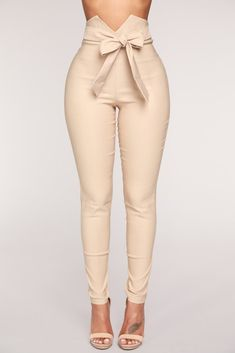 Shop pants for women for everyday styles and the latest trends. We have wide leg pants, skin-tight leather pants, cozy jogger pants, dressy pants, work-approved trousers and more at Fashion Nova. Fashion Pants, Fashion Outfits, Womens Fashion, Fashion Tips, Fashion Trends, Cheap Fashion, Work Fashion, Fashion 2017, Fashion Ideas