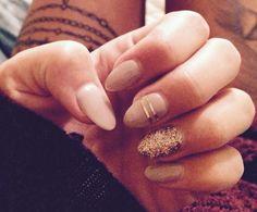 Cute neutral nails