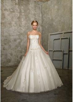 Charming Strapless Ball Gown Handmade Flowers Skirt Tulle Wedding Dress WL0006