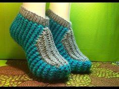 Следки спицами без швов. Урок вязания 164 - YouTube Crochet Home, Knit Crochet, Bed Socks, Knit Shoes, Crochet Slippers, Knitting Socks, Knit Patterns, Fingerless Gloves, Arm Warmers