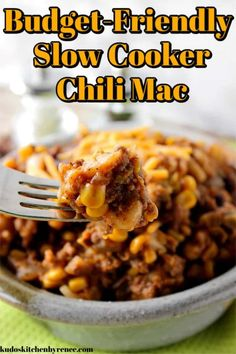 Slow cooker chili mac is a budget-friendly meal that uses pantry and freezer staples. It's easy to make and the whole family will love the flavor of the cheesy, meaty, pasta supper! Slow Cooker Chili, Slow Cooker Recipes, Crockpot Recipes, Pasta Recipes, Chili Recipes, Casserole Recipes, Drink Recipes, Easy Homemade Recipes, Easy Dinner Recipes