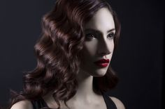 A quick tutorial on how to utilize 2 speedlights to create a hollywood glamour style portrait.
