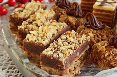 Christmas Baking, Banana Bread, Cookies, Cake, Food, Walnut Recipes, Crack Crackers, Pie Cake, Pastel