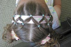 http://princesspiggies.blogspot.cz/2010/05/criss-cross-ribbon-band.html