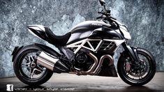 Ducati Diavel AMG by Vilner novita Foto 1 di 26 Moto Ducati, Ducati Scrambler Cafe Racer, Ducati 749, Ducati Motorcycles, Scrambler Motorcycle, Moto Guzzi, Cafe Racers, Motorcycle Touring, Motorcycle Helmets