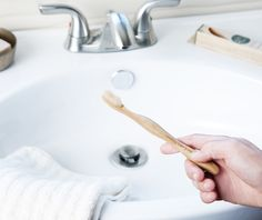Click the web link to get more information dental care tips home remedies. Check the webpage find out more about. Sonicare Toothbrush, Moso Bamboo, Plastic Waste, Christmas Gift Guide, Dental Care, Organic Recipes, Zero Waste, Home Remedies, Biodegradable Products