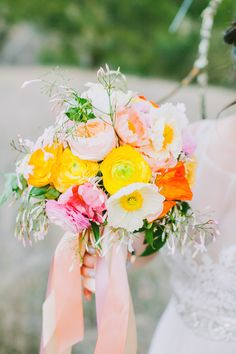 Photography : Avec Lamour Photography | Floral Design : Vo Floral Design Read More on SMP: http://www.stylemepretty.com/2014/04/07/cheerful-spring-inspiration-shoot/