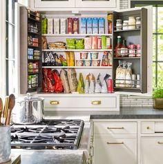 Kitchen Cabinet Organization, Pantry Storage, Kitchen Storage, Storage Spaces, Organization Ideas, Organizing Tips, Cleaning Tips, Storage Ideas, Kitchen Pantry