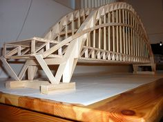 wooden art structures for kids to build - - Yahoo Image Search Results Popsicle Bridge, Popsicle Stick Bridges, Popsicle Sticks, Craft Sticks, Diy Popsicle Stick Crafts, Bridge Model, Wood Plane, Wood Bridge, Beam Bridge
