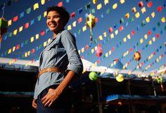Suyane Moreira na Feira de São Cristóvão, no Rio. Atriz, que é de Juazeiro do Norte, no Ceará, e mora no Rio, foi pela primeira vez à feira tipicamente nordestina