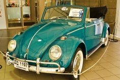 The Volkswagen Beetle, officially called the Volkswagen Type 1 (or . based on Volkswagen parts and platforms continue to use the classic rear engine layout . Vw Super Beetle, Beetle Car, Cabrio Vw, Volkswagen Beetle Vintage, Convertible, Car Goals, Vw Cars, Cute Cars, Vw Beetles