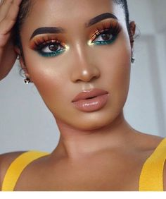 Professional Makeup Artist Course (Step by step Most modern and PERFECT makeups !) - Isn& it time to put a stop to that job that gives you no pleasure and start investing in your - Gold Eye Makeup, Makeup Eye Looks, Cute Makeup, Glam Makeup, Gorgeous Makeup, Pretty Makeup, Skin Makeup, Beauty Makeup, Hair Beauty