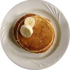 Paleo Banana Pancakes- Because Isn't The Banana Kind The Best? Crepes Vegan, Paleo Breakfast, Breakfast Recipes, Flourless Banana Pancakes, Protein Pancakes, Oatmeal Pancakes, Paleo Pancakes, Potato Pancakes, Coconut Pancakes